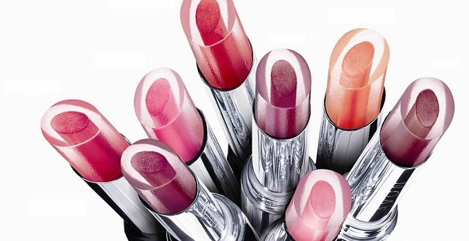 @Avon_UK Shine Attract Lipstick #Review #Photos & #Swatches