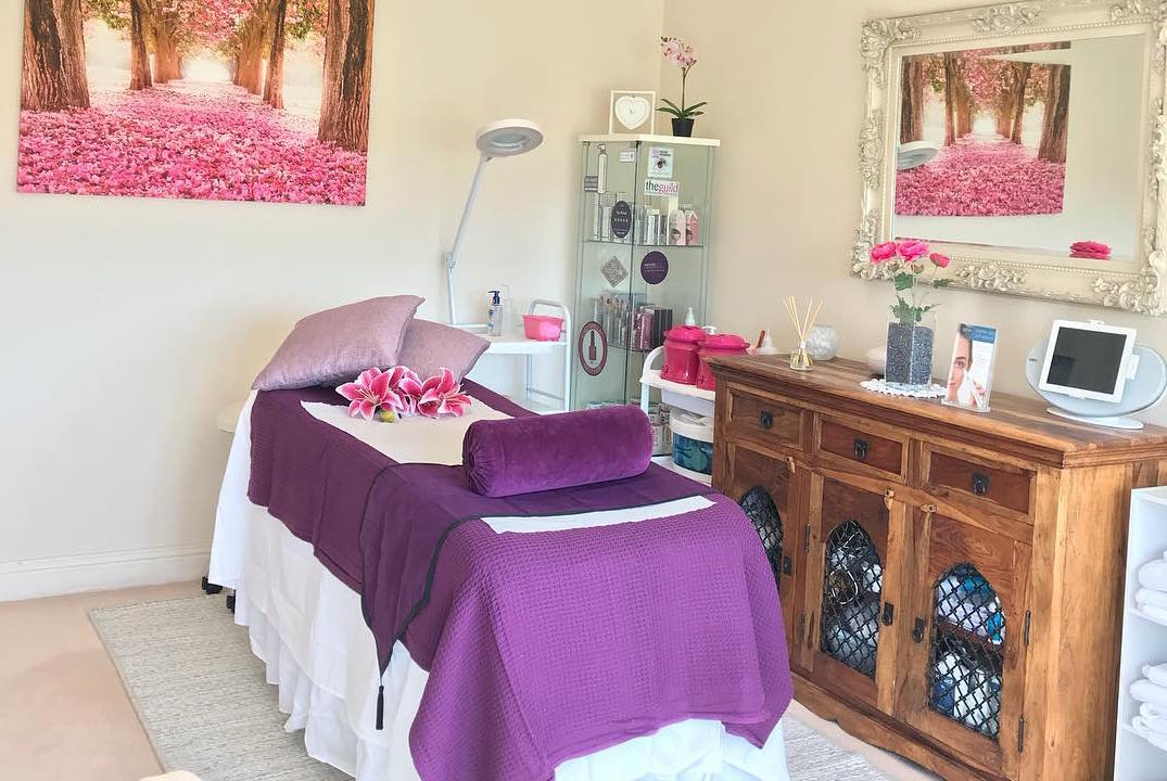 Adna Cristina Beauty: Holistic & Beauty Therapy